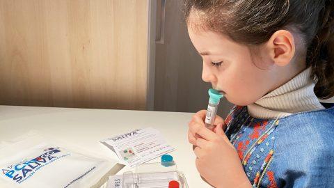 PCR Saliva, màxima fiabilitat i comoditat per a la detecció de la Covid-19 en nens i persones de risc