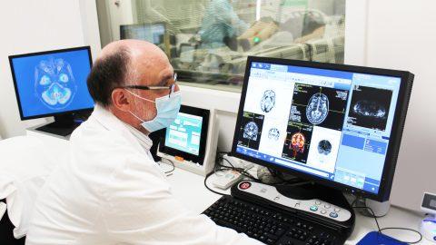 L'Alzheimer i el seu diagnòstic precoç inspiren el tàndem de precisió entre biomarcadors i intel·ligència artificial